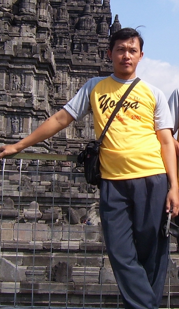 Abu Shofin di Prambanan